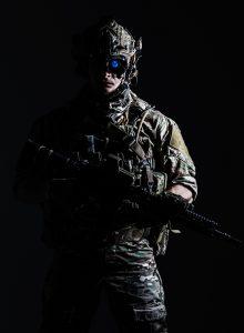 nachtsichtgeraet test, nachtsichtgeraet soldat, nachtsichtgeraet dunkel